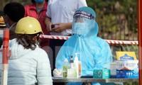 Người dân từng khám điều trị tại Bệnh viện GTVT Hải Phòng chủ động khai báo y tế sáng 22/2.