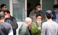 Cơ quan điều tra khám nghiệm nơi xảy ra vụ án trên phố Lê Lợi (Ngô Quyền, Hải Phòng) trưa 23/3.