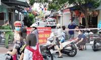 Lực lượng chức năng lập chốt kiểm soát, cách ly khu dân cư tại xã An Đồng (An Dương, TP Hải Phòng).
