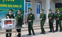 Cán bộ, chiến sĩ Đồn Biên phòng Cửa khẩu quốc tế Móng Cái quyên góp ủng hộ phòng chống Covid-19