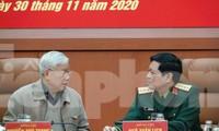 Tổng Bí thư, Chủ tịch nước Nguyễn Phú Trọng và Bộ trưởng Quốc phòng Ngô Xuân Lịch tại hội nghị, sáng 30/11. Ảnh: Nguyễn Minh