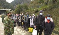 Bộ đội Biên phòng Lào Cai đưa 35 người nhập cảnh trái phép đi cách ly y tế