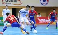 Thái Sơn Nam (áo trắng) tiếp tục chứng tỏ sức mạnh của mình ở giải futsal Cúp quốc gia HDBank 2017