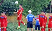 HLV Park Hang-seo lo vá hàng thủ U23 Việt Nam