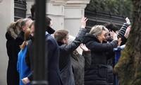 Bị trục xuất, nhân viên ngoại giao Nga đồng loạt rời London