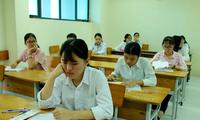 Thí sinh Hà Nam dự thi vào lớp 10 công lập - Ảnh: GN