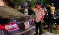 Trưởng Ban Nội chính Tỉnh uỷ Thái Bình và chiếc xe tại thời điểm vừa gây tai nạn - Ảnh: Hoàng Long