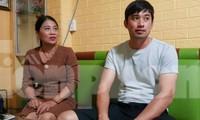 """Bà Đinh Thị Lý và con trai tố cáo bị Đường """"Nhuệ"""" và đàn em đánh tại trụ sở Công an phường Trần Lãm - Ảnh: Hoàng Long"""