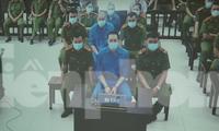 Toà tuyên 3 bị cáo tổng hình phạt 5 năm tù giam, 2 bị cáo còn lại hưởng án treo - Ảnh: Hoàng Long
