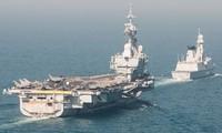 Mục kích tàu sân bay Pháp giương oai ở vùng Vịnh