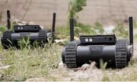 Đây là mẫu rô bốt chiến đấu cỡ nhỏ đầu tiên trên thế giới có tên là Dogo được trang bị súng ngắn do Israel sản xuất. Dogo là rô bốt chiến đấu cỡ nhỏ có thể thực hiện nhiệm vụ chống khủng bố cũng như trinh sát các khu vực khó tiếp cận.