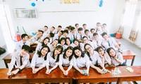 Tập thể lớp chuyên Toán A1 - trường THPT chuyên Hà Tĩnh.