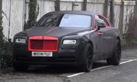 Lukaku khoác áo đấu M.U cho siêu xe Rolls Royce Ghost