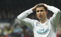 Ronaldo lại buồn, nằng nặc đòi rời Real về M.U