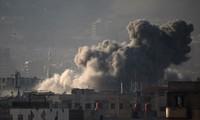 Khói bốc lên sau các cuộc giao tranh ở Zamalka, Đông Ghouta, Syria. Nguồn: AFP/TTXVN.