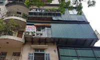 Nhếch nhác khu tái định cư ở Hà Nội: Chuồng gà, 'chuồng cọp' đua mọc