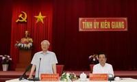 Tổng Bí thư, Chủ tịch nước Nguyễn Phú Trọng phát biểu kết luận buổi làm việc với lãnh đạo và cán bộ chủ chốt tỉnh Kiên Giang. Ảnh: Trí Dũng/TTXVN.