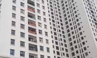 Chung cư mới bàn giao đã đỏ rực băng rôn 'tố' căn hộ hụt diện tích
