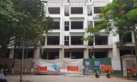 Chủ đầu tư 18 căn nhà liền kề 54 Hạ Đình bất chấp 'lệnh' tạm dừng
