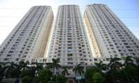 """Sở TN&MT đã thu hồi gần 400 """"sổ đỏ"""" đã cấp cho hàng trăm căn hộ vi phạm thuộc 14 tòa nhà chung cư cao tầng."""