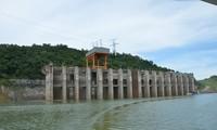 Hàng loạt hồ thủy điện ở cả ba miền thiếu nước nghiêm trọng