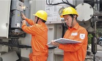 Theo EVN, lượng điện sinh hoạt trên toàn quốc tháng 3 tăng tới 8,55% so với cùng kỳ năm trước, trong đó, điện sinh hoạt ở Hà Nội tăng 17%, TP.HCM tăng 13%