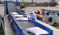Bộ Công Thương đề nghị Bộ Tài chính, Hải quan công khai doanh nghiệp đăng ký xuất gạo