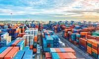 Theo Bộ Công Thương, các doanh nghiệp vận tải phải chia sẻ khó khăn về giá, phí vận chuyển