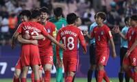 Thắng trận ra quân, HLV U20 Hàn Quốc cảm tạ CĐV