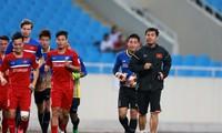 HLV Hữu Thắng có nhiều cơ hội để đưa U22 Việt Nam vào Bán kết SEA Games 29.