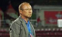 Ông Park Hang-seo có thể nâng tầm ĐTQG, nhưng V-League là chuyện riêng của bóng đá Việt Nam.