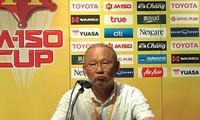 HLV Park Hang Seo khen ngợi các cầu thủ U23 Việt Nam sau trận thắng Thái Lan.