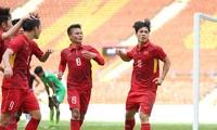 Công Phượng và Quang Hải là hai gương mặt xuất sắc nhất trên hàng tấn công U23 Việt Nam ở cúp M150.