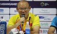 HLV Park Hang Seo không bình luận về kế hoạch vinh danh Olympic Việt Nam.