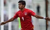 """Các hậu vệ Việt Nam sẽ phải """"trông coi"""" cẩn thận tiền đạo Aung Thu của Myanmar."""