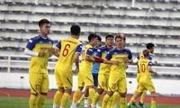 Đội tuyển Việt Nam rèn quân để chuẩn bị cho trận tranh cúp vô địch King's Cup 2019 với Curacao.