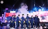 Các cầu thủ Hà Nội ở Gala tôn vinh đội bóng tối 1/11.
