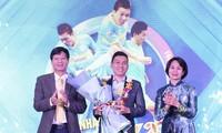 Nguyễn Nhớ được nhận giải Fair-play 2020 nhờ hành vi đẹp trước đối thủ ở giải Futsal quốc gia. (ảnh PLO)