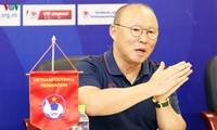Bản hợp đồng 2 năm giữa VFF với HLV Park Hang Seo đã qua nửa chặng đường, và ông Park có quyền từ chối gia hạn.