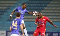 Bruno toả sáng với cú đúp vào lưới Thanh Hoá, đem lại chiến thắng 3-2 cho CLB Hà Nội (ảnh Viên Viên)