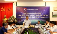 Trước đại dịch COVID-19, bóng đá Việt Nam chọn cách không làm gì để đảm bảo an toàn.