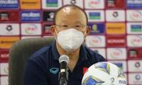 HLV Park Hang Seo không hài lòng với công tác trọng tài ở trận thua 1-3 của đội tuyển Việt Nam trước Oman tối 12/10.
