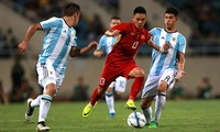 Thua thảm U20 Argentina, HLV Hữu Thắng nói gì?