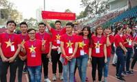 CĐV hào hứng chờ đón buổi giao lưu với các tuyển thủ U23 Việt Nam.