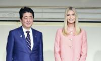 Thủ tướng Nhật Bản Shinzo Abe gặp ái nữ Tổng thống Mỹ Ivanka Trump hôm 3/11. Ảnh: The Yomiuri Shimbun