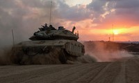 Xe tăng của quân đội Israel hoạt động tại Dải Gaza hồi năm 2014. Ảnh: AFP