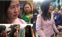 Nhiều giáo viên ở Đắk Lắk đã bật khóc trước thông tin bị nghỉ việc. (Ảnh: Quốc Thịnh/ Lao động)