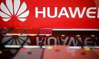 Các động thái này diễn ra trong bối cảnh căng thẳng về thương mại và công nghệ giữa Mỹ và Trung Quốc đang ngày càng gia tăng, trong đó Huawei đang là mục tiêu chính. Ảnh: AP