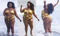 Nàng béo Lizzo tự tin mặc bikini cắt xẻ táo bạo, lăn lộn 'sống ảo' trên bãi biển