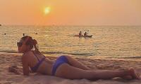 Minh Tú tung ảnh bikini 'bỏng rẫy', công khai 'thả thính' ngày cuối năm